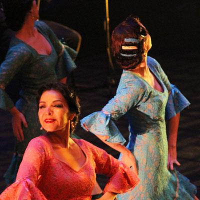 Esmeralda-Enrique-show-Photo-Hamid-Karimi-Prologue